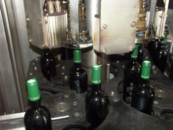 http://www.midihideaways.com/wine/capsule1.jpg